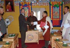 Formalising the exchange of knowledge and skills, Sherub Gyaltshen, Secretary, Ministry of Agriculture, Royal Government of Bhutan and Alistair Henchman, (Director Southern Branch, New South Wales Department of Environment and Climate Change).